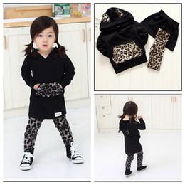 Wholesale 1 Y baby Winter fashion clothing Leopard hoodies leggings skirt girls cartoon suit children kids set MOQ sets SVS0443