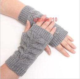 50 Guantes TOPB4933 invierno de las mujeres de punto largos consagrarlos a cabo pulseras medios guantes del dedo de la mano más cálidas Guantes sin dedos codo mangas brazalete