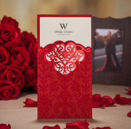 Wholesale 2015 Vintage Gold Red Purple Laser Cut Free Personalized Customized Colourful Printing Wedding Invitations Cards Vogue Free Envelope