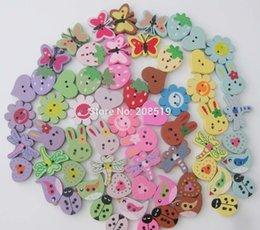 Wholesale 9 Patterns Colorful bois Boutons Peinture au hasard trous Bouton coudre accessoires Vêtements craft Ornement