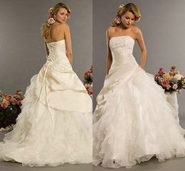 Wholesale Vestidos de noiva Ball Gown Wedding Dresses Beads Applique Strapless Lace Up Cascading Ruffles Tulle Sweep Train Bridal Gowns CGL609