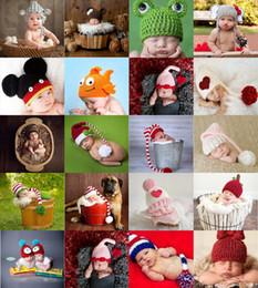Wholesale 2015 Bebé lindo recién nacido Nursling Photo Fotografía Props traje hecha a mano Crochet Hat Hat Hat de dibujos animados cabeza Beanie Cap Mix estilos XDT
