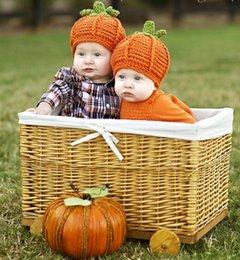 Wholesale Retail Lovely Baby Halloween Pumpkin Hat Knitted Crochet Infant Caps Halloween Costumes Newborn Photo Props Winter warm Hats