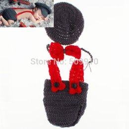 Wholesale New Character Unisex Cotton Newborn Photography Props Costume Hand Crochet Infant policeman Hat Suspender Pant and bow tie set