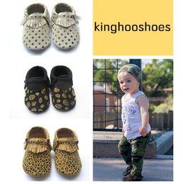 Wholesale kinghooshoes high quality baby moccasins kids moccs baby shoes sandals fringe shoes new designed moccs