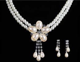 Wholesale Pearls Bridal Jewelery Necklace Earrings Sets with Faux Pearls Prom Party Wedding Crystal Jewelery Bridal Accessories Cheap cheap jewelery accessories from jewelery accessories suppliers