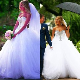 Wholesale New Arrival Designers Hot Sale Princess Sweetheart Crystal Wedding Dresses Tulle With Lace Up Back Ball Gown Bridal Gowns