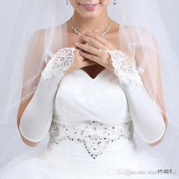Wholesale Beautiful Fashion White Ivory Beaded Applique Lace Stretchy satin Fingerless Bridal Accessories Cheap Gloves Cocktail Gloves