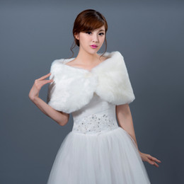Wholesale Elegant Ivory Bridal Wraps Long Faux Fur Wedding Jacket Cape Spring Winter Wedding Accessories High Quality Cheap Shawls