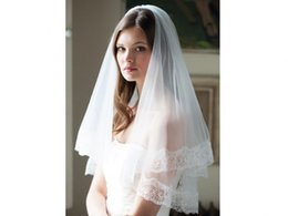 Wholesale 2015 Beautiful New One Layer Bridal Accessories Veils Elbow Length Cut Edge Tulle Lace Cheap A021
