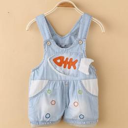 Wholesale Venta al por mayor a Summe populares delgadas de algodón suave cómodo Niñas Niños Años Babys Suspender Jeans simple linda sueltas de fondo ponen en cortocircuito