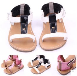 Wholesale Baby firdt waklers shose the new summer outdoor PU hard bottom female baby sandals Toddlers sandals Baby shoes