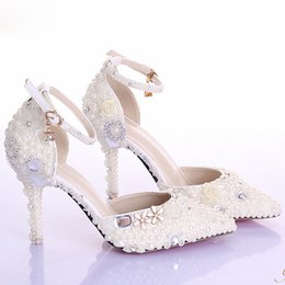 Wholesale Crystal Beaded Bridal Shoes Pearl Pure Color Pointed Toe Bridal Heels Walking Comfortable High Heel Prom Shoe