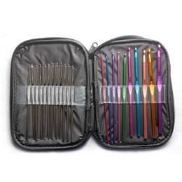 22 Pcs Multicolore aluminium Crochet Aiguilles 0.6mm-6.5mm tricoter avec mallette # 71632