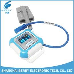 Wholesale Berry OLED Bluetooth4 Wrist Pulse Oximeter Waveshown with Spo2 Sensor