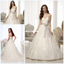 Wholesale New Lace Wedding Dress A Line Sweetheart Sleeveless Superb Sash Bow Brush Train Bridal Wedding Gowns Dresses D1520