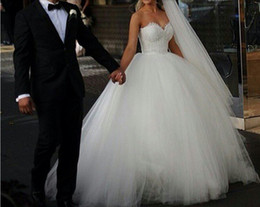 Wholesale 2015 Vintage Strapless Princess Beaded Lace Ball Gown Wedding Dress Bridal Dresses Tulle Robe De Mariage