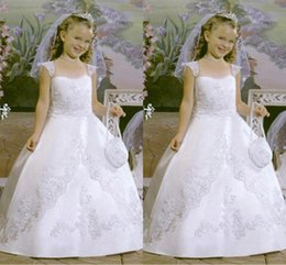 Wholesale 2015 New Arrival Lovely Little Girl Dress White Scoop Capped Sleeve Full length Ball gown Lace Organza Stain First communion dress