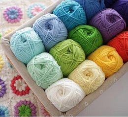 Wholesale 5 balls g Natural Smooth Worsted Soft crochet cotton yarn wool milk cotton yarn wool yarn for knitting Z4427