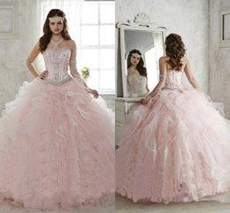 Wholesale De color rosa con cuentas de bola del vestido de quinceañera vestidos vestidos de quinceañera dulces Sweety Debutante vestidos de fiesta de noche formal del vestido de los vestidos de encargo Nueva