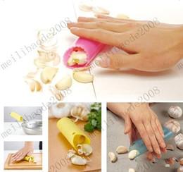 La nueva herramienta mágica de la cocina de la peladura de Peeler del ajo del silicón libera el envío MYY3916A