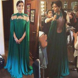Wholesale Sonam Kapoor Celebrity Evening Dresses For Arabic Women Hot Sale Cheap Dubai India Long Sleeves Abaya Lace Backless Plus Size Prom Gown