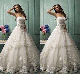 Wholesale China Cheap Ball Gown Wedding Dresses Strapless Appliqued Floor Length Court Train Bow Back Lace Vintage Wedding Dresses Plus Size