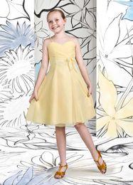 Wholesale Sparkle Charming A Line Spaghetti Straps Knee Length Chiffon Yellow Junior Bridesmaid Dresses Pleats New Arrival Flower Girls Dress