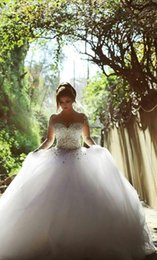 Wholesale Muslim Wedding Dresses Long Sleeve Wedding Dresses with Rhinestones Crystals Backless Ball Gown Wedding Dress Vintage Bridal Gowns Spring Qu