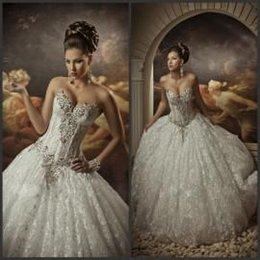 Wholesale Robes de mariée en dentelle robe boule avec strass corset chérie Princesse royale robes cathédrale Robes de mariée en cristal Robes de mariée