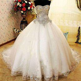 Wholesale Luxe Sweetheart Ball Gown robes Bling Bling cristaux strass paillettes paillettes dentelle Appliques Tribunal Train robes de mariée