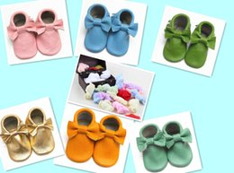 Wholesale 20 off EMS free pairs free socks HIGH Quality baby moccasins soft leather moccs baby booties toddler shoes pairs