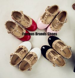 Wholesale Famous Brands Children s Fashion Shoes Girl s Summer Shoe Kid s Leather Sandals girls Princess Style shoes Kids new shoe Baby s hot sandals