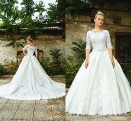 Wholesale Modest Spring Wedding Dress with Sheer Lace Applique Jewel Neck Half Sleeve Elegant Beaded Sash A Line Ivory Bridal Ball Gown Dresses