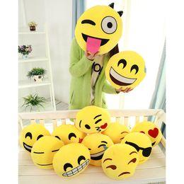 30pcs 22 Styles Diamètre 30cm Coussin mignon Coussin Belle Emoji Smiley Cartoon Oreillers Oreillers Jaune Coussin rond peluche peluche