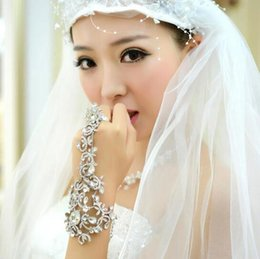 Wholesale 2016 Elegant Bridal Jewelry Crystal Rhinestone Bracelet with Ring Wristband In Stock Wedding Party Prom Girls Accessories