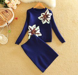 Wholesale New Style Women Winter Clothing Sets Young Lady Knitting Sweater Skirt Set Sequined Flowers Woman Jumper Tops Skirts Suits