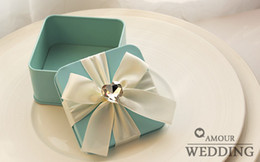 Wholesale 100pcs a High Quality Tin Plate Pink Blue Color Candy Boxes Square Big Diamond Ribbon Wedding Favor Holder Gift Boxes