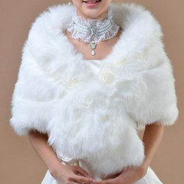 Wholesale 2016 New Arrival Autumn Winter White Wedding Coat Bolero Bridal Wraps Jacket Warm Faux Fur Wedding Shawl Free Size