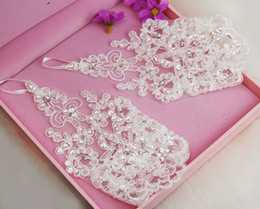 Wholesale 2015 New Arrival Cheap In Stock Lace Appliques Beads Fingerless Wrist Length With Ribbon Bridal Gloves Wedding Accessories