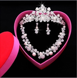Wholesale New Shiny Luxury Bridal Jewelry Sets Crystal Wedding Crown Earrings Necklace Tiaras Accessories Fashion Headdress Bridal Accessories
