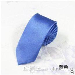 500pcs CCA2386 Chegada Nova Moda Homens de negócio formal do casamento gravata Moda Lazer Magro Limite Seta Gravata Skinny Tie cor sólida