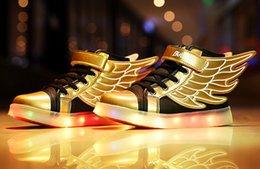 Wholesale 2016 NOUVELLES filles de garçons ont mené des ailes de lumières pour des enfants Fashion Kids Usb qui chargent des chaussures de sport lumineuses Chaussures d hiver d hiver de incandescence S1176
