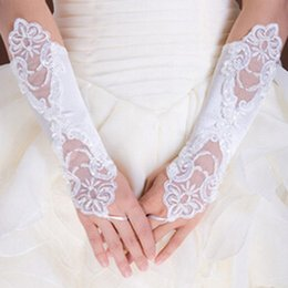 Wholesale Bright white lace bridal gloves long gloves the transparent sexy dance noble Bridal Gloves