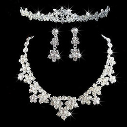 Wholesale 2015 Fashion Cheap In Stock Wedding Bridal Jewelry Fast shipping styles Sparkly Crystals Rhinestones Necklace Earring Crowns