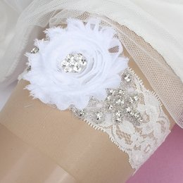 Wholesale New Arrival Vintage White Flower Bridal Garters Sexy Crystal Beaded Bridal Wedding Lace Leg Garters Ready to Ship Sexy Bridal Accessories