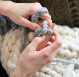 Hilos gruesos estupendos del hilado del hilado del hilado del hilado del hilado grueso grueso del hilado del hilado del hilado de la mezcla de la lana (250g / lot)