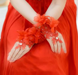 Wholesale 2015 Hot Sell Bridal Gloves Luxury Lace Flower Glove Hollow Wedding Dress Accessories Bridal Gloves