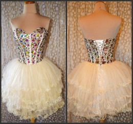 Wholesale Charming Sweetheart Homecoming Dresses Beige Short Prom A Line Beaded Rhinestone Corset Mini Short Graduation Dresses