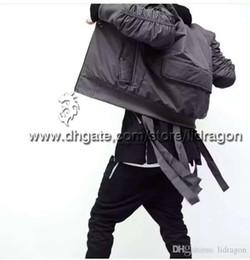 Wholesale Moda Hi Calle Mens militar Estilo MA1 hip hop Bomber Jacket Con La Cinta Cinturón Negro para hombre Slim Fit Hip Hop de la chaqueta del equipo universitario de béisbol